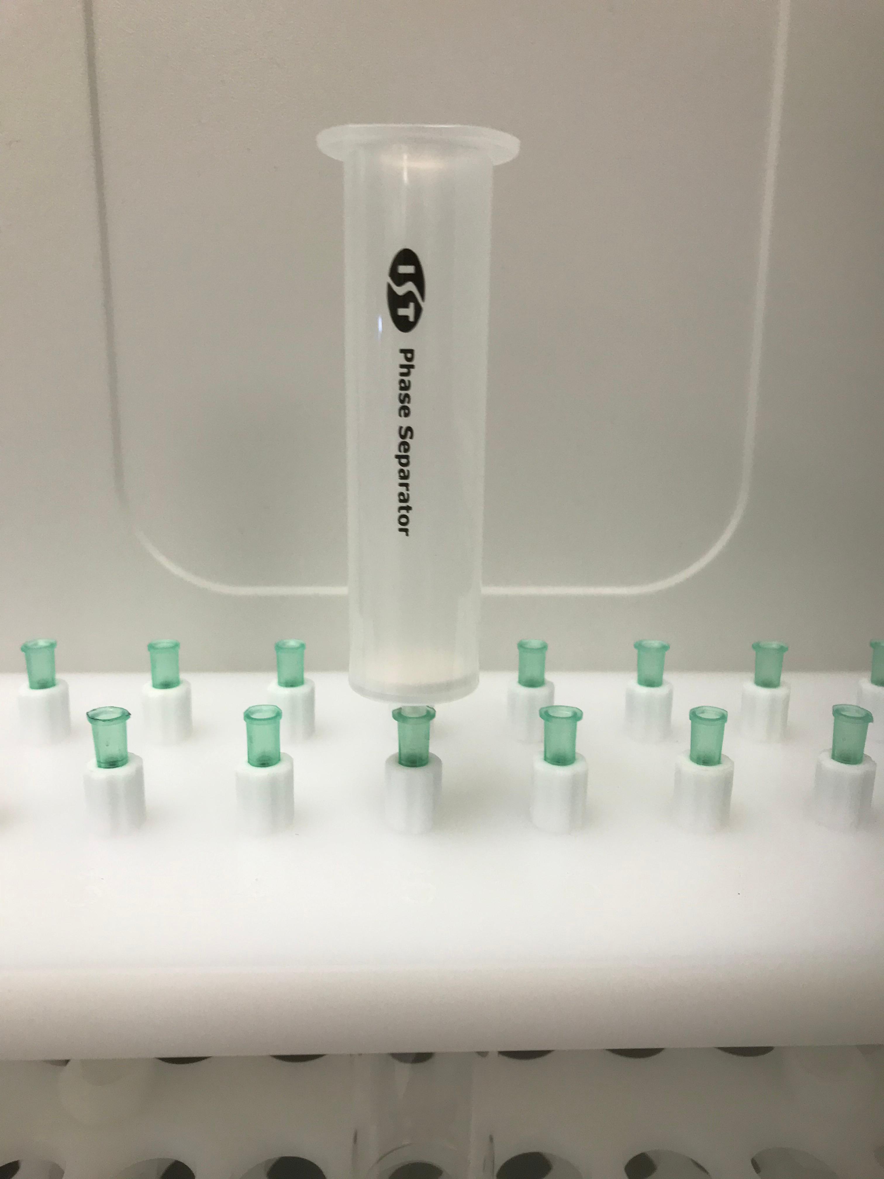 Phase separator on gravity rack